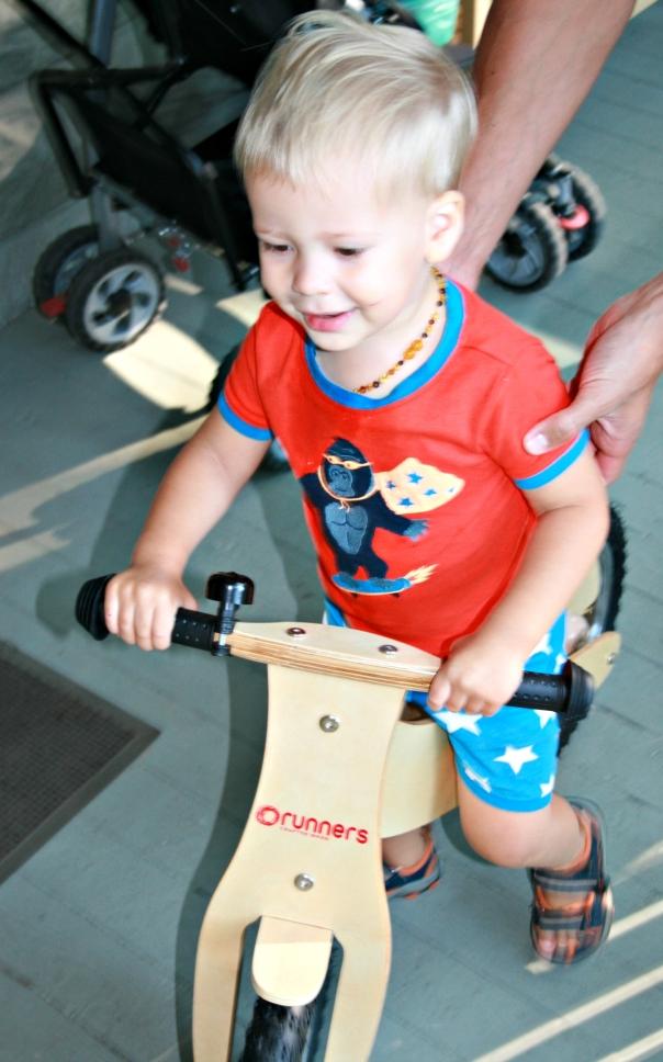 runners wooden bike